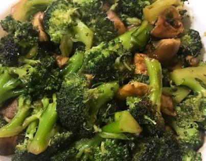 Salteado de brócoli y seta shitake
